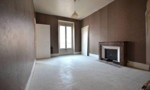 Avant Rénovation complète d'un appartement rue des Bons Enfants Grenoble